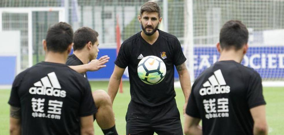 Navas: «La llegada de Llorente es un reto para entrar en el once»
