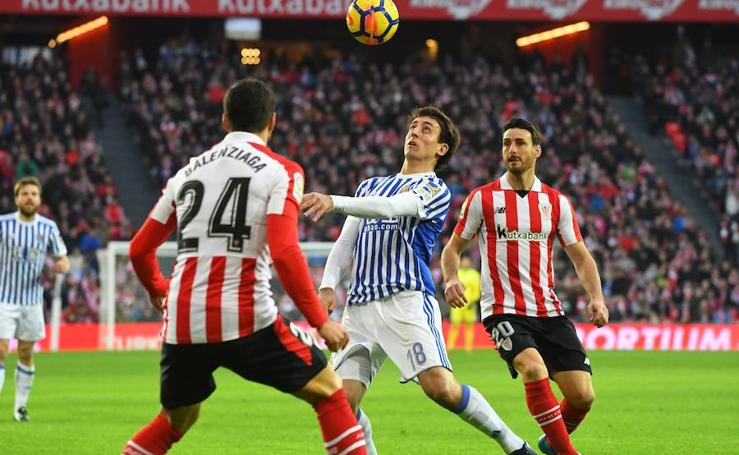 Real y Athletic disputan un derbi vibrante