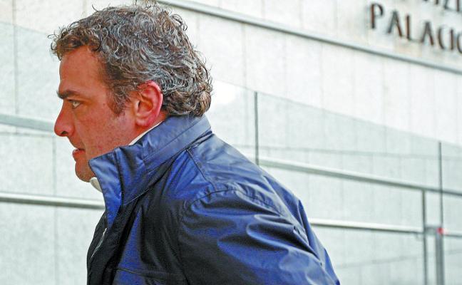 Detenido el exfutbolista De Pedro acusado de agredir a su pareja