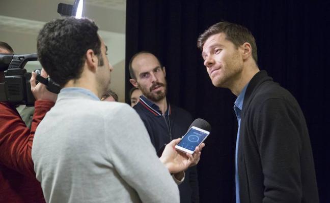 Xabi Alonso: «Si la Real Sociedad juega a su nivel, eliminará al Salzburgo»