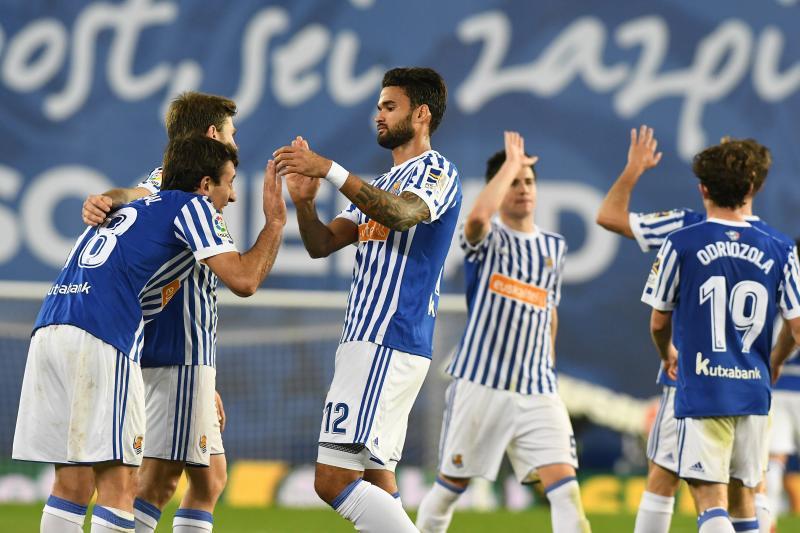 La Real Sociedad gana al Alavés en Anoeta (2-1)