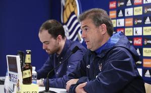 El entrenador de la Real Sociedad Femenina reconoce que «el Athletic es claro favorito, pero nos ilusiona enfrentarnos luego al Barça»