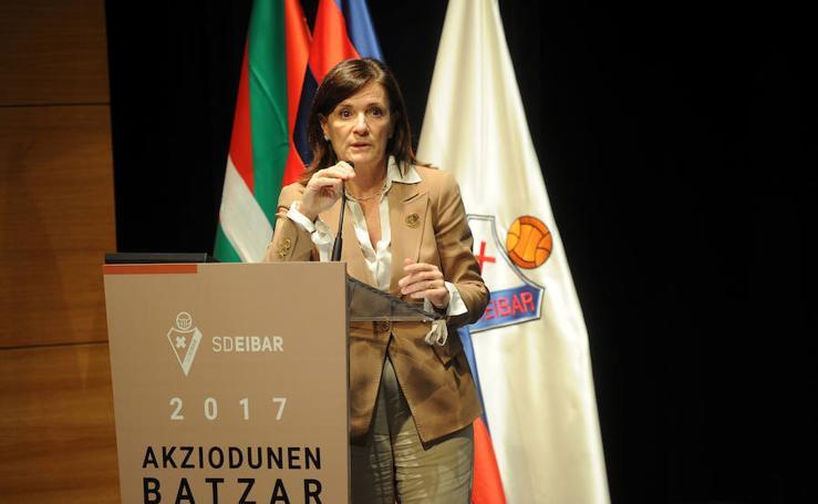 Los accionistas del Eibar respaldan por amplia mayoría las peticiones del Consejo