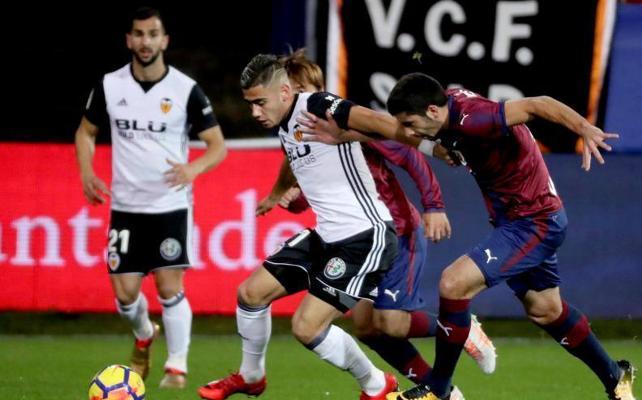 El Eibar supera al Valencia en Ipurua (2-1) y se pone séptimo