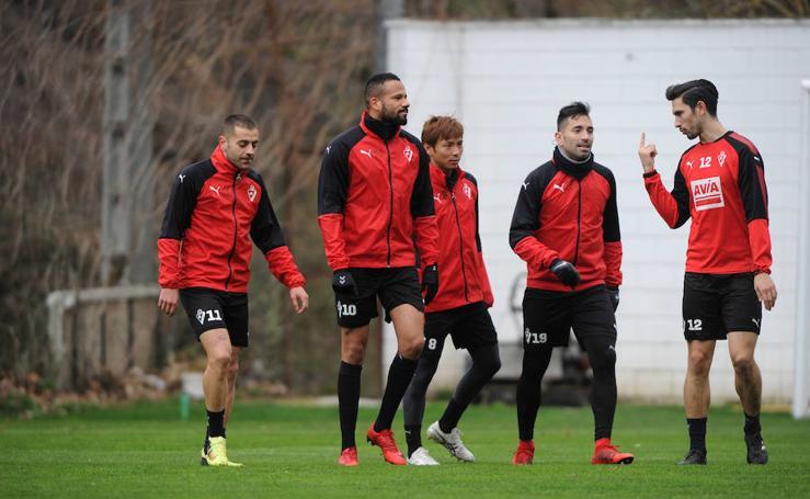 El Eibar se entrena en Atxabalpe