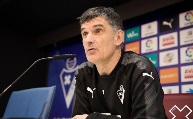 Mendilibar: «Va a ser un partido parejo, no es fácil sacar algo positivo en San Mamés»