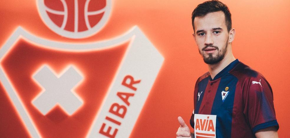 El Eibar cierra su plantel con el serbio Jovanovic