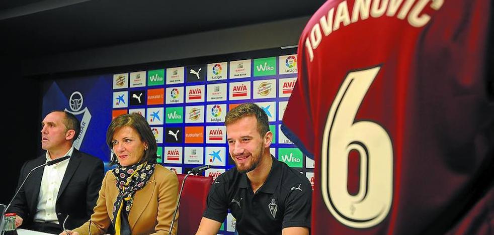 «Fichamos un chico de presente y de futuro», recalca Garagarza