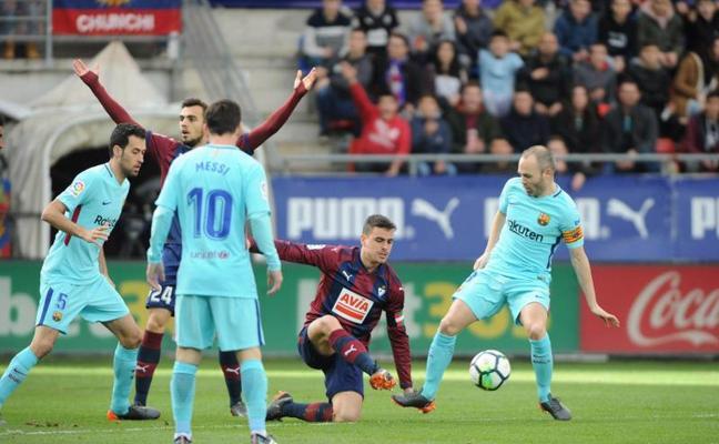 El uno a uno de la derrota del Eibar ante el Barcelona