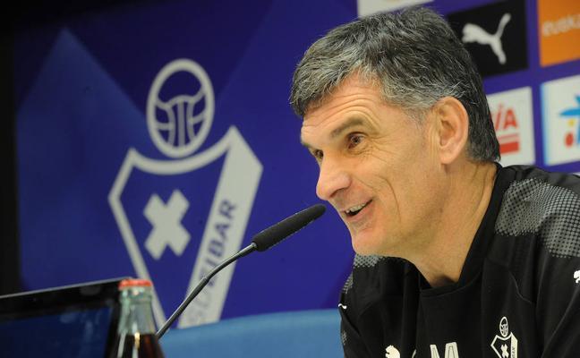 Mendilibar: «No podemos regalar nada al Villarreal»