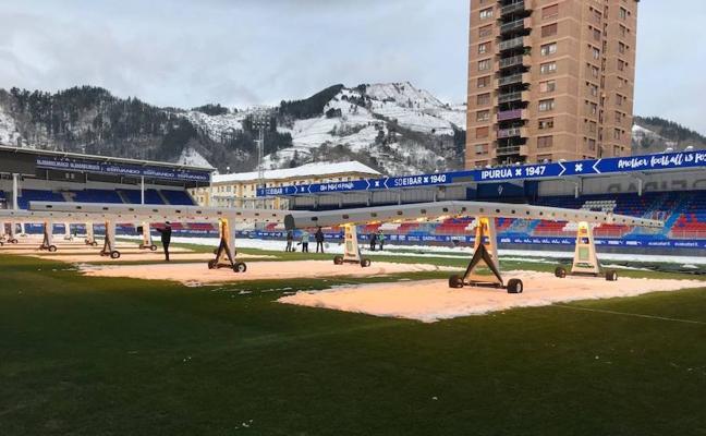 El Eibar-Villarreal de esta noche se jugará pese a la nieve caída en Ipurua