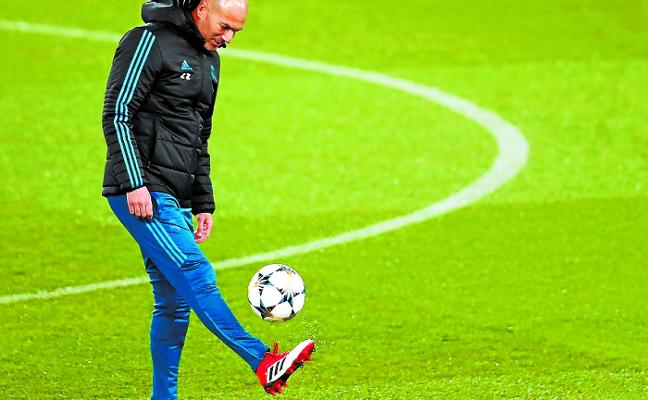 El Real Madrid llega a Ipurua con más moral que razones
