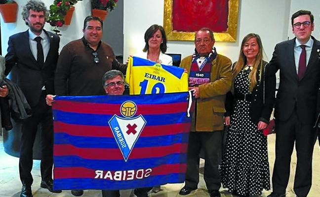 Homenaje del Coria del Río con motivo del 30 aniversario del ascenso a Segunda B