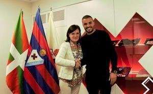 Pedro León estará dos temporadas más en el Eibar