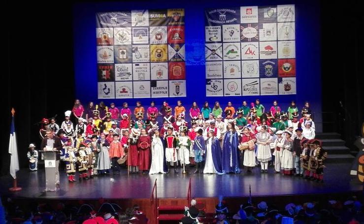 Los tamborreros 'txikis' piden al santo que se porte con la fiesta