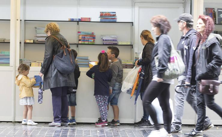 La Feria del Libro de Donostia vuelve a tomar la calle