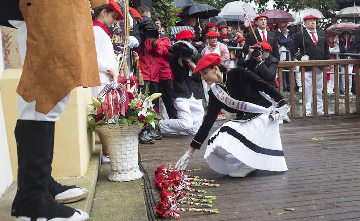 Ofrenda floral al santo