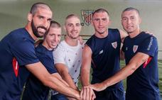 Los jugadores del Athletic se rapan la cabeza como apoyo a Yeray