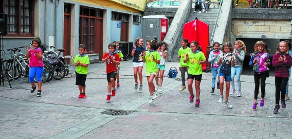Txorizoa, sardinak eta sagardoa gaur plazan