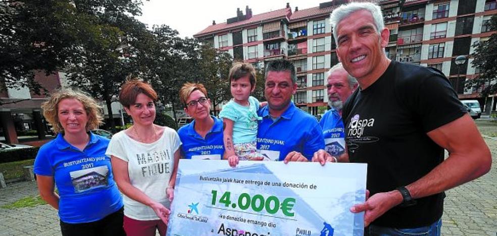 Aspanogi recibe los 14.000 euros del partido benéfico