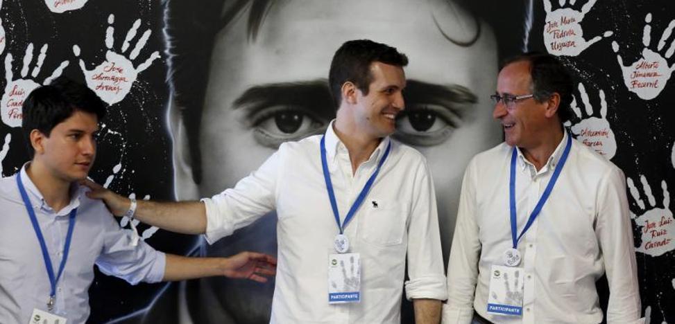 Alonso defiende los acuerdos con PNV y PSE frente a «populistas y radicales»