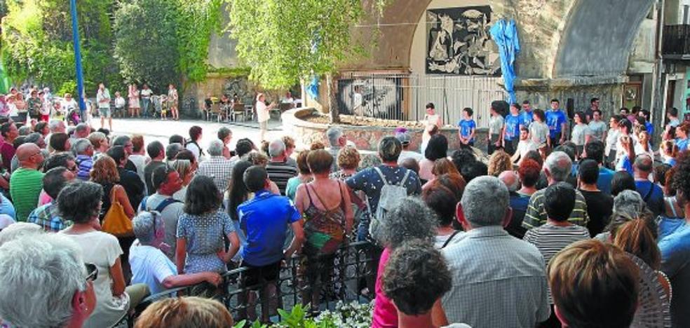 Inaugurado el mural en recuerdo del bombardeo de Gernika