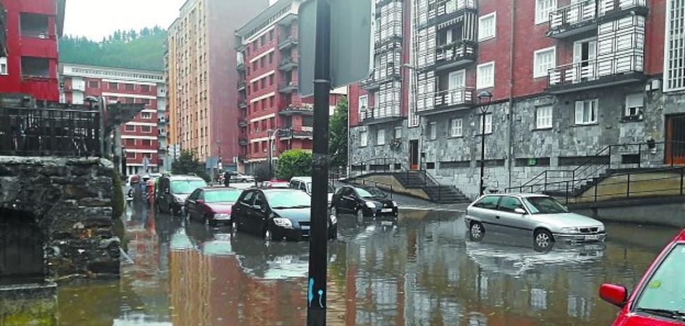 «En unos minutos la calle estaba inundada, parecía un río»