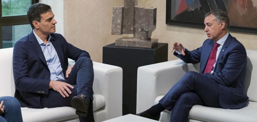 Sánchez pide al PNV que le «acompañe» en la «renovación del modelo territorial»