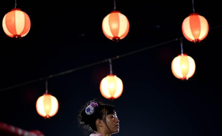 Celebraciones anuales del festival 'Bon Odori' en Malasia