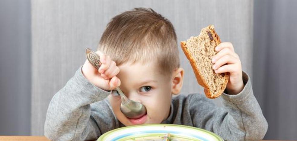 ¿Dramas de verano en la mesa? Hay trucos para animar a los niños a comer