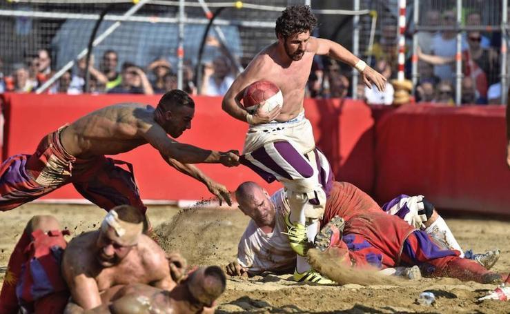 'Calcio Storico', el brutal deporte florentino