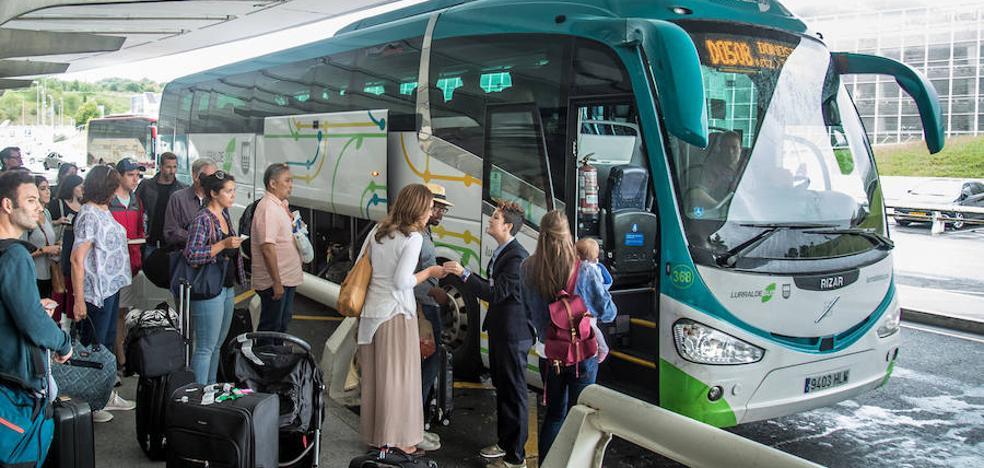 Lurraldebus refuerza la atención a sus usuarios en el aeropuerto de Loiu