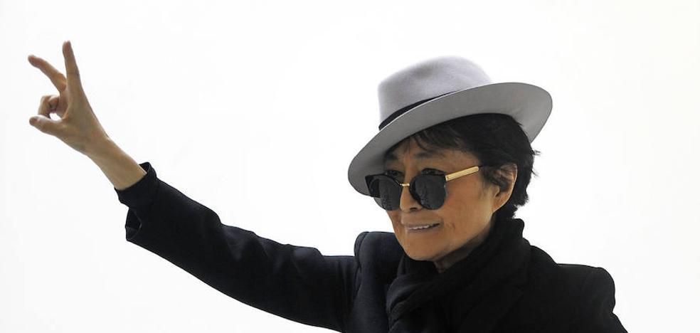 Yoko Ono, Cantona, Stoichkov o Viggo Mortensen apoyan el derecho a decidir en Cataluña