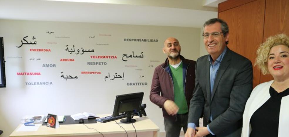 La Diputación inicia un proyecto para evitar la manipulación islamista de jóvenes