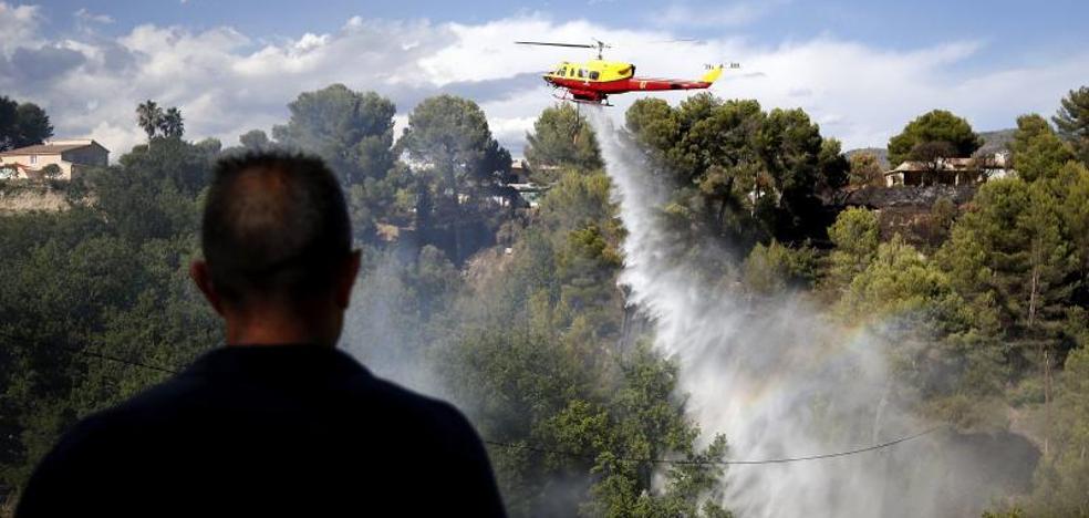 Diez mil personas evacuadas por un incendio en el sur de Francia