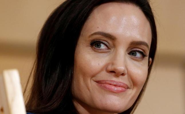 Las intenciones solidarias de Angelina Jolie, bajo sospecha