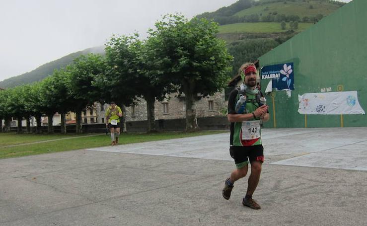 Nuno Silva se impone en la tercera etapa del Basque Ultra Trail