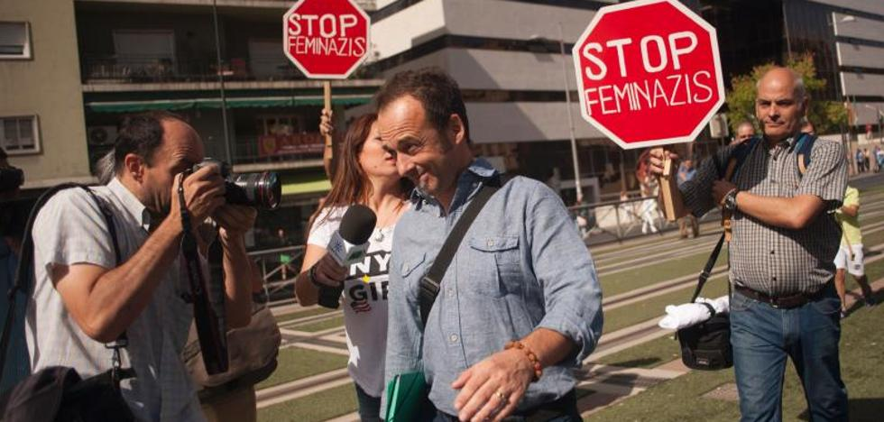 El abogado de Juana Rivas recomienda que «acuda ante los tribunales»