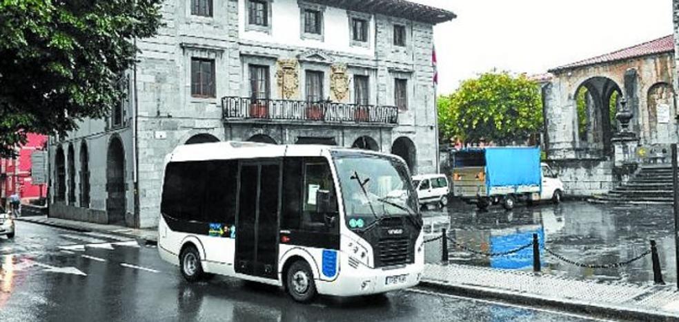 El autobús urbano continuará ofreciendo sus servicios durante este mes de agosto