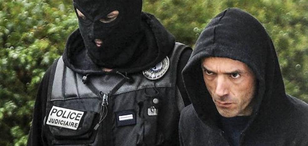 Francia hace un gesto con Irastorza en pleno debate de ETA sobre su disolución