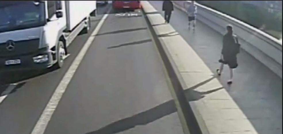 Detenido el 'runner' londinense que casi mata a una mujer de un empujon frente a un autobús