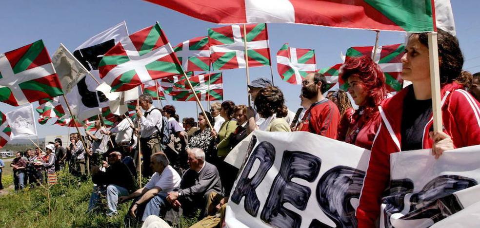 Un juzgado suspende un acto por los presos de ETA en Ikaztegieta