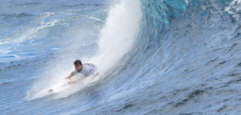 Aritz Aranburu, eliminado en el Billabong Tahiti Pro