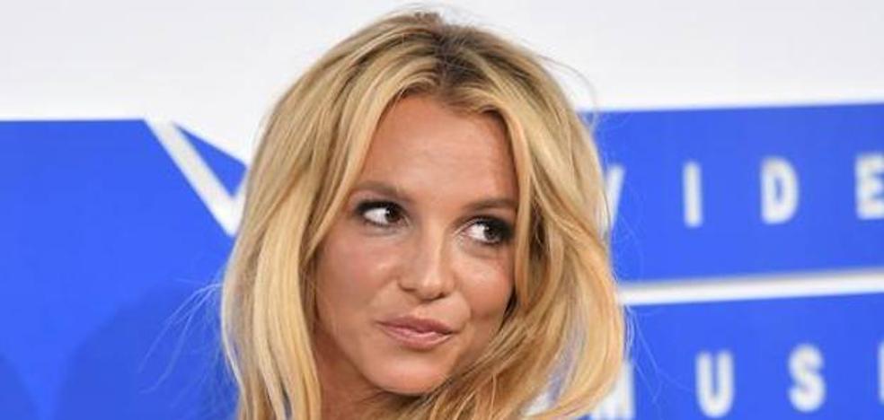 Un fan armado trata de atacar a Britney Spears
