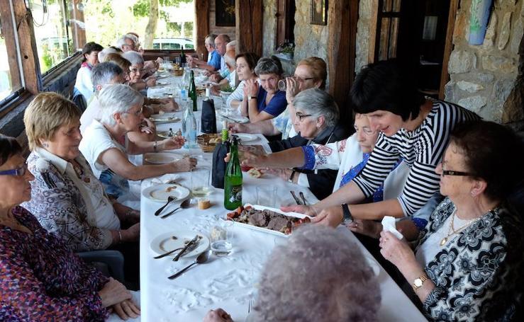 Los baserritarras de Zizurkil celebraron su día