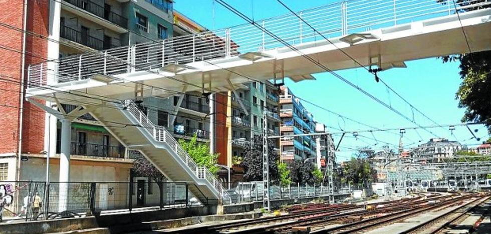 Abierta la pasarela sobre las vías de Euskotren en Easo