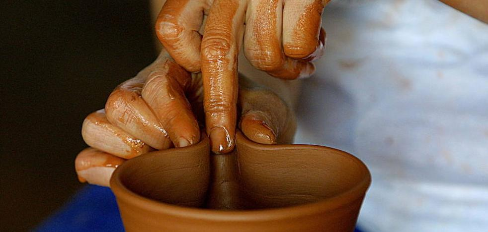 Ez dira 150era iristen Gipuzkoan eskuz egindako lanari eusten dioten artisauak