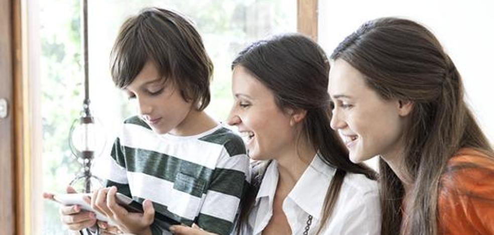 El peligro de compartir muchas fotos de tus hijos en redes sociales