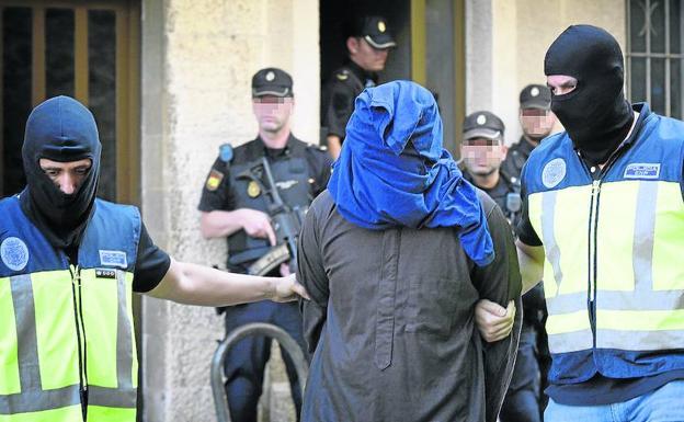 Interior intensifica las expulsiones de yihadistas