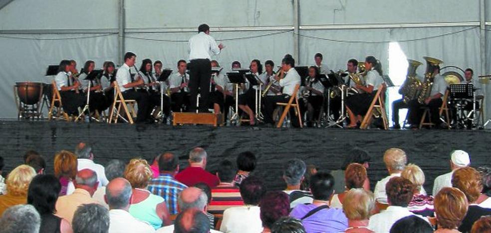 La banda de música acude hoy a Ondarroa para el tradicional concierto de Andramari